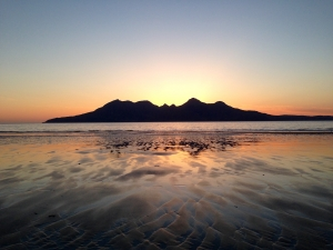 25-Laig-Beach-on-Eigg-looking-out-to-sunset-over-Isle-of-Rum-1
