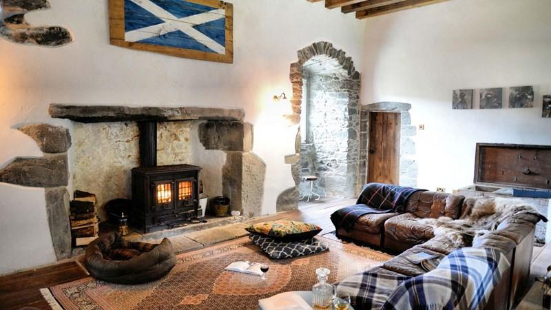 INside Kilmartin Castle 2