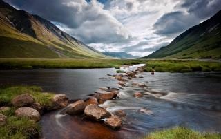 http://mcleanscotland.com/wp-content/uploads/Loch-Etive-on-Scotlands-west-coast-near-Oban-and-Glencoe.jpg