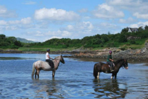 horse riding on the west coast of scogtland